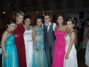 Some of our Leaving Certs looking very well at their recent prom in Jackson's Hotel